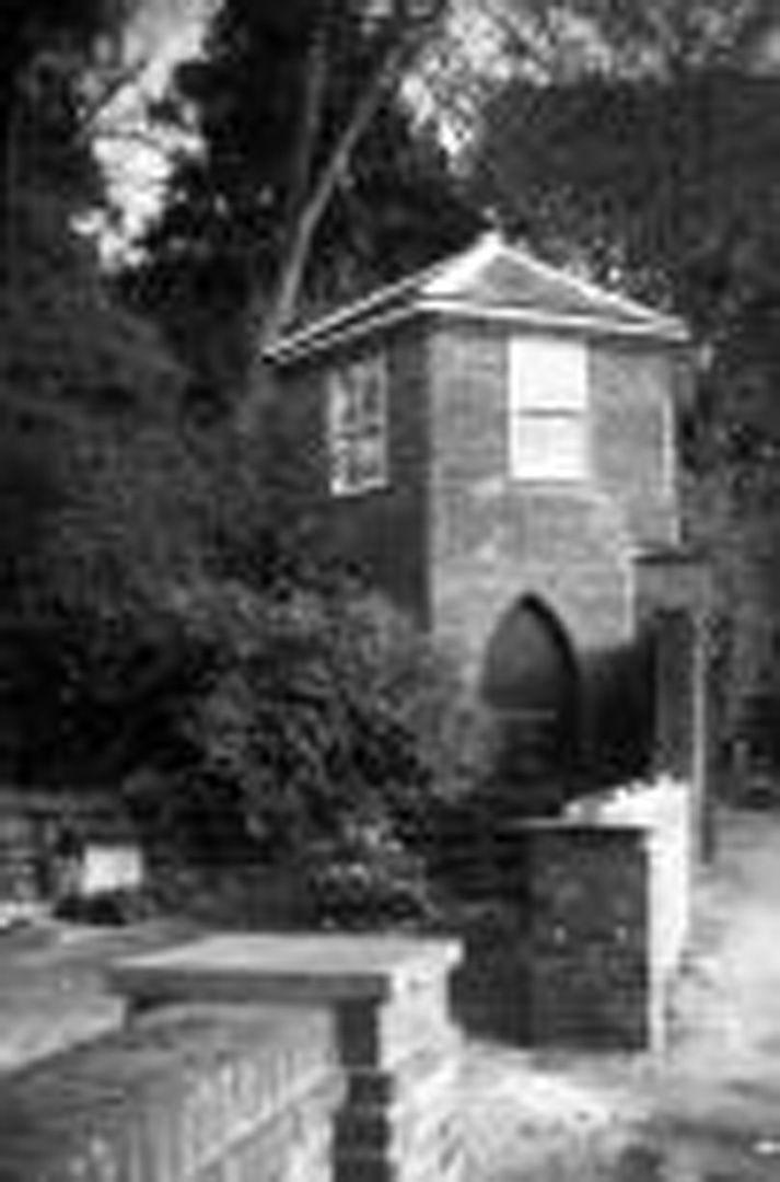 Historic Image of Thorpe Road gazebo