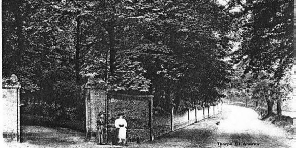 Historic image of Main Road into Thorpe St Andrew near Thorpe Lodge